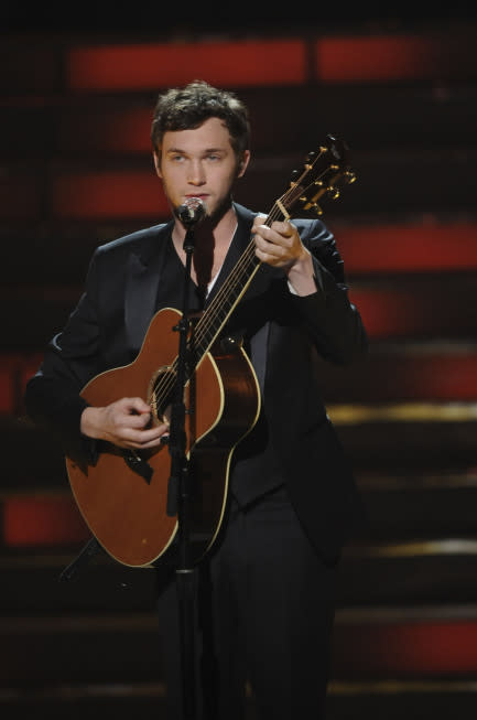"Humble 'Idol' Winner Phillip Phillips: ""I'm Not A Great Singer"""