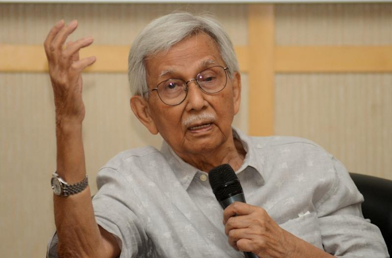 Tun Daim Zainuddin was also critical of the new Perikatan Nasional government formed in the wake of Pakatan's collapse, in which Bersatu president Tan Sri Muhyiddin Yassin was appointed as the prime minister, after taking his party out of Pakatan. — Bernama pic