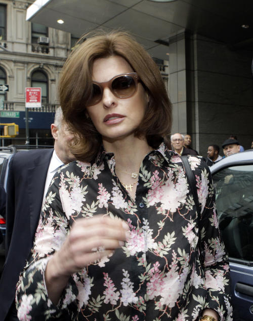 Linda Evangelista leaves Manhattan Family Court Thursday, May 3, 2012, in New York. Evangelista is demanding that ex-boyfriend Francois-Henri Pinault pay child support for their 5-year-old son. (AP Photo/Frank Franklin II)