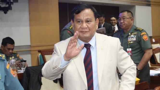 Prabowo: yang Kemarin Demo Belum Baca Omnibus Law, Banyak Hoax