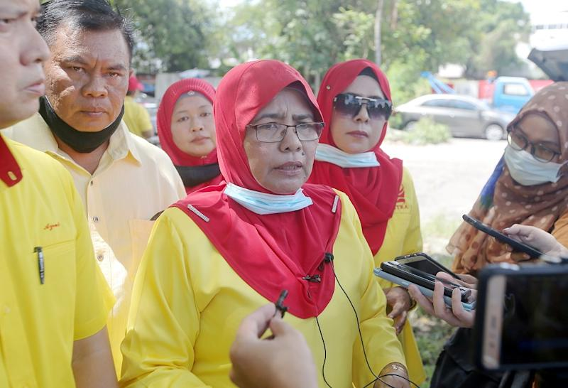 Parti Putra Perkasa Malaysia (Putra) vice-president Datuk Hamidah Osman speaks to reporters outside the Ipoh district police headquarters, September 24, 2020. ― Picture by Farhan Najib