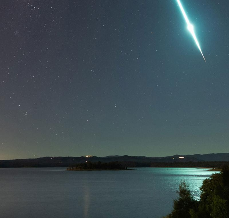 Queenslanders amazed by lights and bangs in the sky
