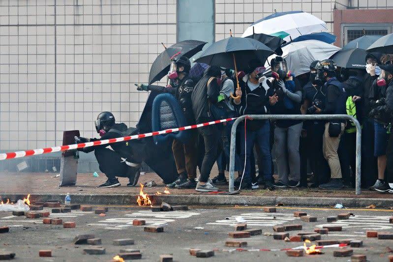AS kutuk penggunaan kekerasan di Hong Kong