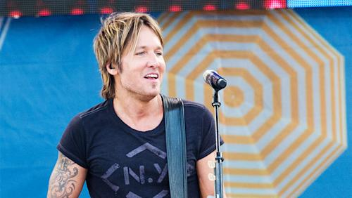 Keith Urban Narrowly Beats the Weeknd in Album Sales