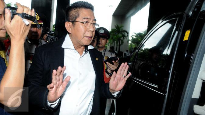 Politisi PDIP Henry Yosodiningrat Laporkan Rocky Gerung dan Andi Arief ke Polisi