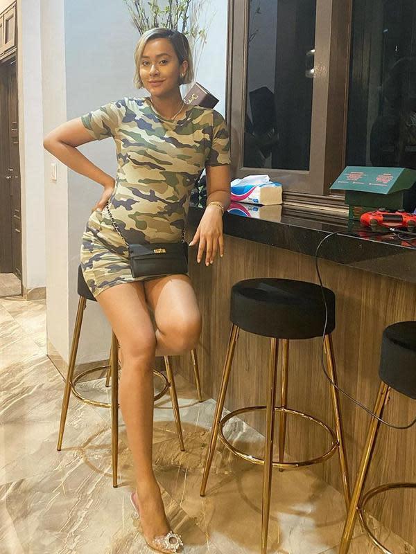 Perempuan cantik yang kerap berdandan nyentrik, Kimmy Jayanti, kini juga tengah mengandung anak keduanya. Kimmy sempat mengungkapkan di media sosial kalau sekarang ini berat badannya mencapai 70 kg. (Instagram/kimmyjayanti)