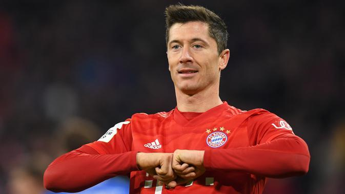4. Robert Lewandowski (Bayern Munchen) - Ketajaman Lewandowski sebagai striker bernomor punggung 9 memang luar biasa. Pemain berusia 31 tahun ini telah mencatatkan 25 gol dari 23 penampilannya bersama Bayern Munchen musim ini. (AFP/Christof Stache)
