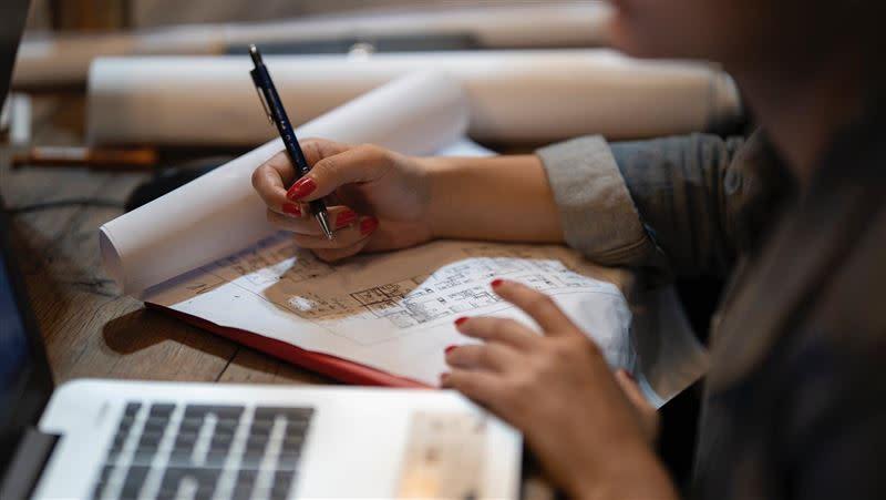 花了20幾年讀書,就業後薪水卻不滿意嗎?(示意圖/翻攝自Pixabay)