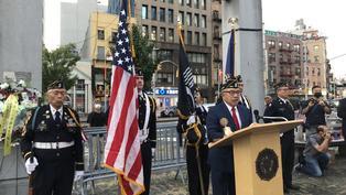 紐約華裔退伍軍人會悼911 銘記空服員鄧月薇