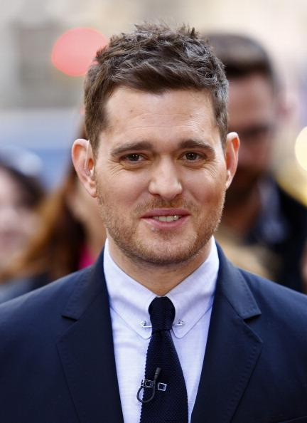 Michael Bublé Treats NYC Commuters to Impromptu Performance
