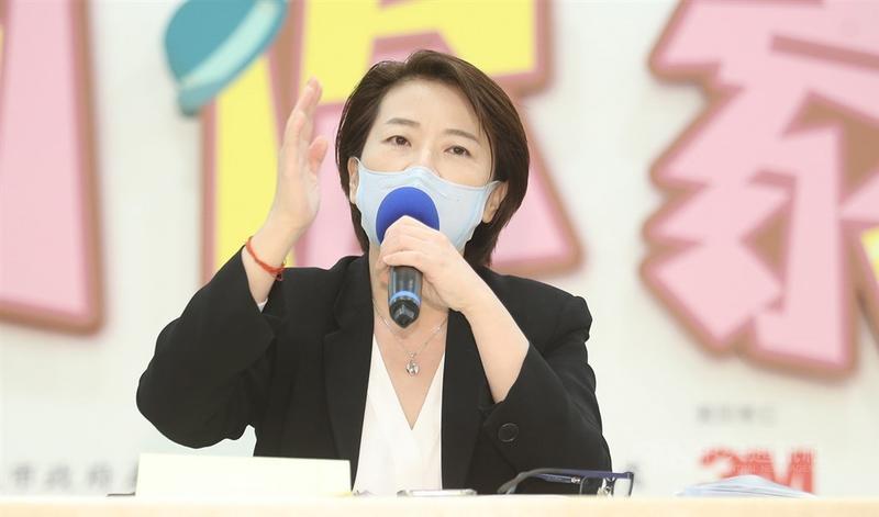 隨著新冠肺炎疫情趨緩,行政院今天公布三倍券詳細方案。台北市副市長黃珊珊表示,已要求觀傳局針對國旅進行規劃,此外,商圈、夜市及市場部分也會加碼。(中央社檔案照片)