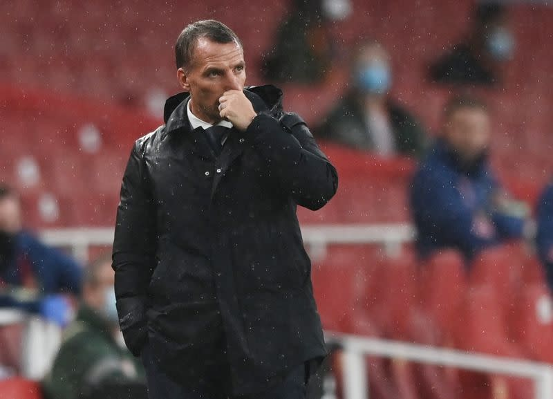 Rodgers calls on Leicester to show mettle in top-four battle