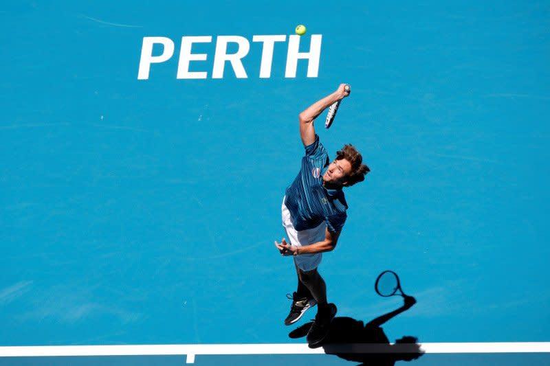 Medvedev ke putaran ketiga Australia Open usai taklukkan Martinez
