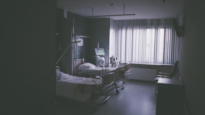 Ilustrasi koma. Sumber foto: unsplash.com/Daan Stevens.