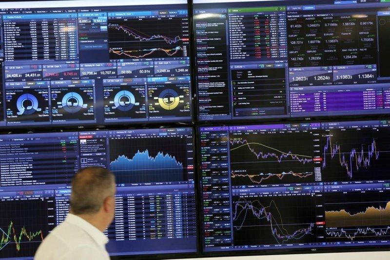 Saham Inggris ditutup merosot, indeks FTSE 100 jatuh 1,30 persen