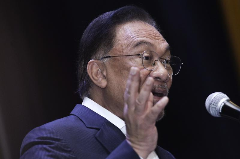 Opposition leader Datuk Seri Anwar Ibrahim says the current administration has only made the situation worse for poor Malays in the country since coming into power in March. — Picture by Miera Zulyana