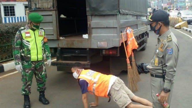 Orang Keras Kepala Tak Patuh Protokol Kesehatan COVID-19 Diburu Polisi
