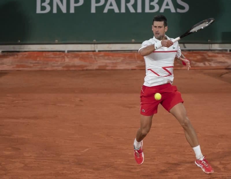 Djokovic primed for deep run in Paris