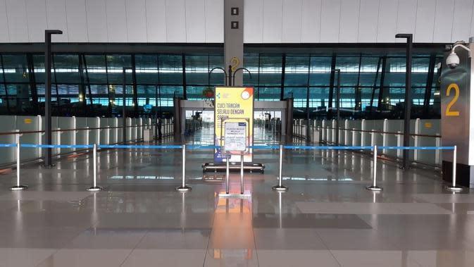 Pintu masuk (Gate) 2 dan 4 di Keberangkatan Terminal 3 Bandara Internasional Soekarno-Hatta (Soetta), ditutup untuk umum.
