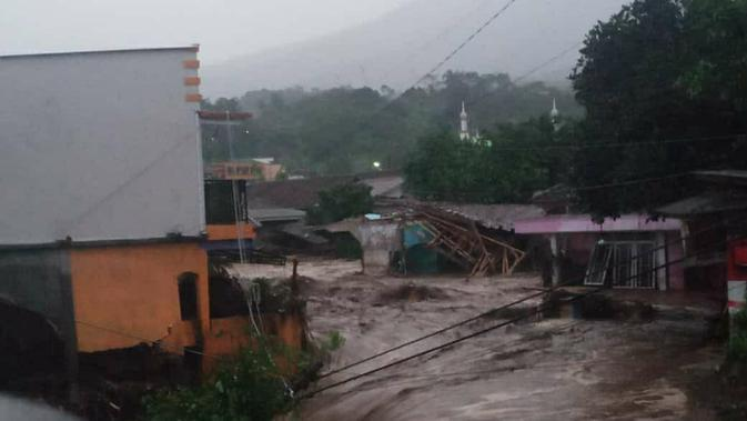 Banjir Bandang Melanda Sukabumi, Begini Penjelasan BMKG