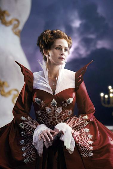 MIRROR MIRROR, (aka THE BROTHERS GRIMM: SNOW WHITE), Julia Roberts, 2012.