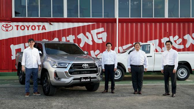 Pasar Membaik, Toyota Targetkan Jual 600 Unit New Hilux per Bulan
