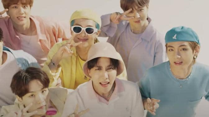 BTS Dynamite/dok. Youtube Big Hit Labels