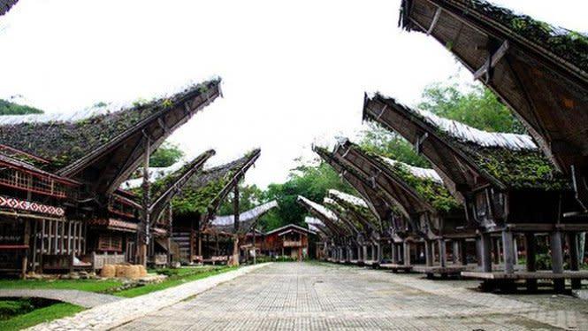 Pango Pango, Spot Terbaik Menikmati Lautan Awan di Toraja