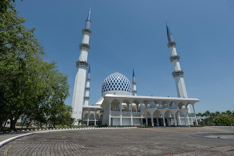 A general view of the Selangor State Mosque. The Selangor Sultan has extended a ban on Friday prayers being held in Selangor mosques by one month to June 30 as part of measures to prevent the spread of the Covid-19 virus — Picture by Miera Zulyana