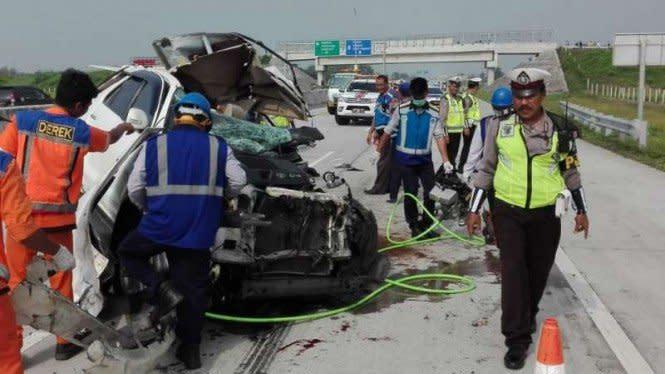 5 Mobil Kecelakaan Beruntun di Tol Layang Cikampek KM 22