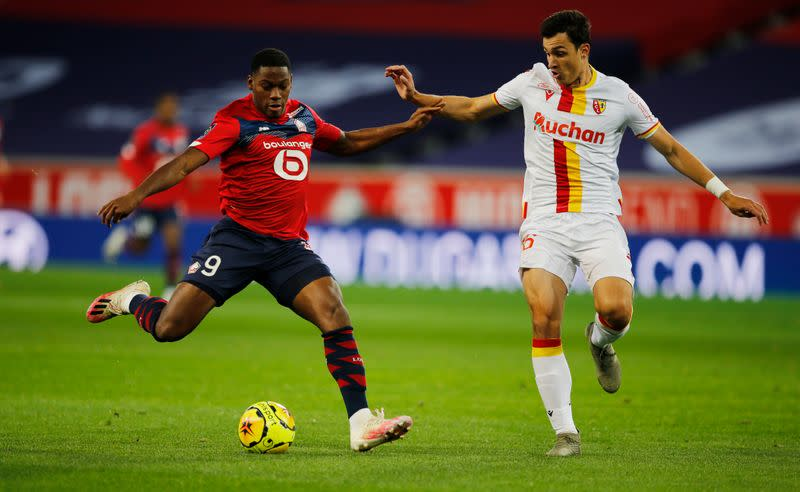 Lille go top as Lens see red in northern derby