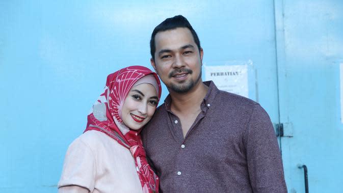 Rumah tangga pasangan artis Annisa Trihapsari dan Sultan Djorghi jauh dari gosip miring. Lantas apa yang menjadi rahasia pasangan ini membuat rumah tangga harmonis. (Nurwahyunan/Bintang.com)