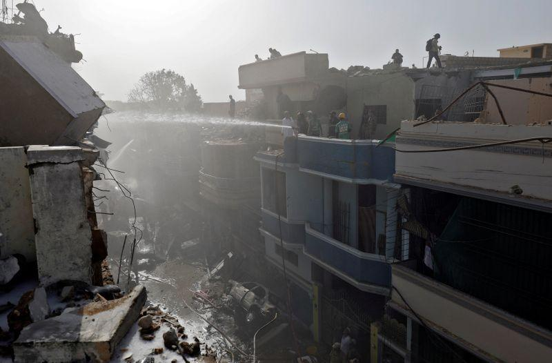 Sedikitnya 41 tewas dalam kecelakaan pesawat Pakistan - CEO Maskapai