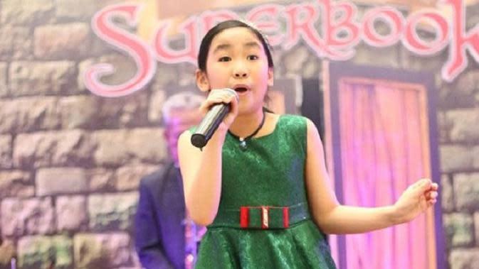 Jane Callista, penyanyi belia asal Indonesia berhasil juarai Asia Pacific Arts Festival 2018.