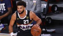 NBA》詹姆斯大三元湖人難逆轉 穆雷救命三分助金塊扳成1-2