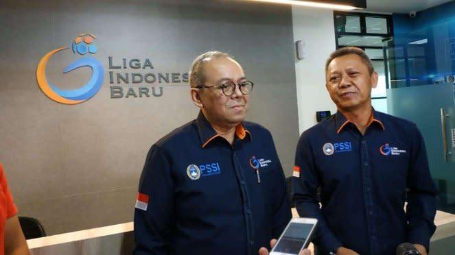Direktur Utama PT LIB, Akhmad Hadian Lukita (kiri) dan Sudjarno