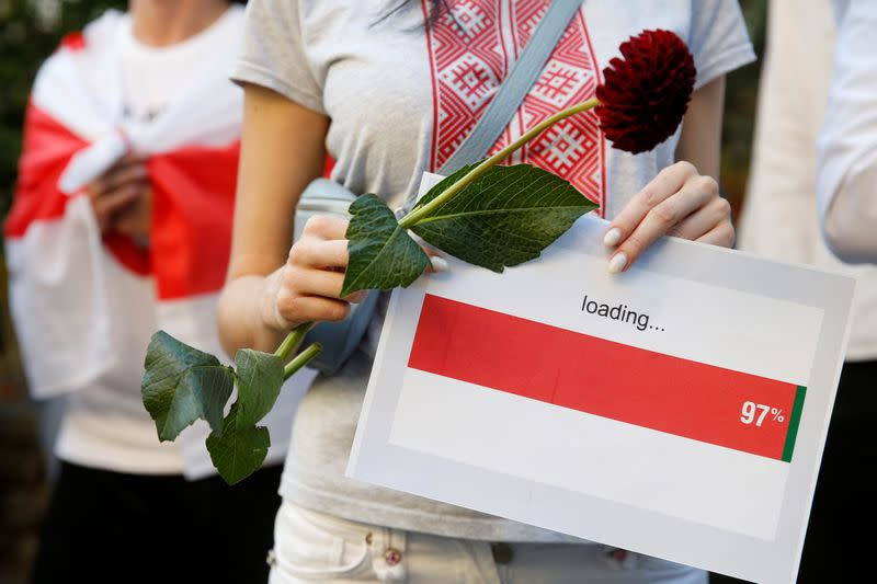 Belarus arrests opposition figures, calls in Nobel laureate after mass protests