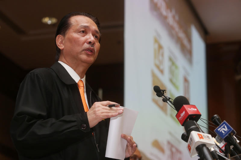 Health director-general Datuk Dr Noor Hisham Abdullah said Malaysia has recorded 187 new Covid-19 cases today, of which only four were local transmissions between Malaysians. — Picture by Choo Choy May