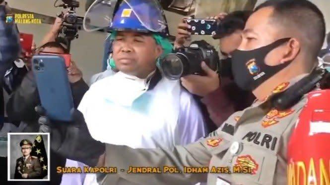 Kapolri Janjikan Hadiah untuk Polisi Relawan Pemulasaran Jasad Corona