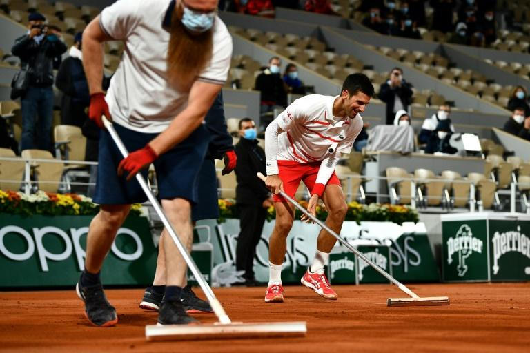 Djokovic into Roland Garros last 16 as women seeds scattered