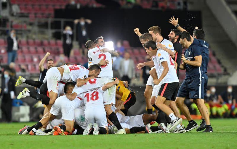 Sevilla beat Inter 3-2 to lift sixth Europa League title