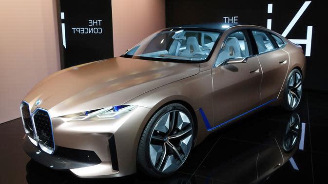 Kendaraan konsep BMW dipamerkan dalam Pameran Otomotif Internasional Beijing 2020 di Beijing, China, 29 September 2020. Sebanyak 785 mobil tahun ini ditampilkan di Pameran Otomotif Internasional Beijing atau Auto China 2020. (Xinhua/Ding Hongfa)