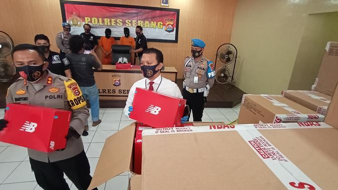 Ribuan Sepatu Ekspor Senilai Rp570 Juta Digondol Sopir Truk Ekpedisi