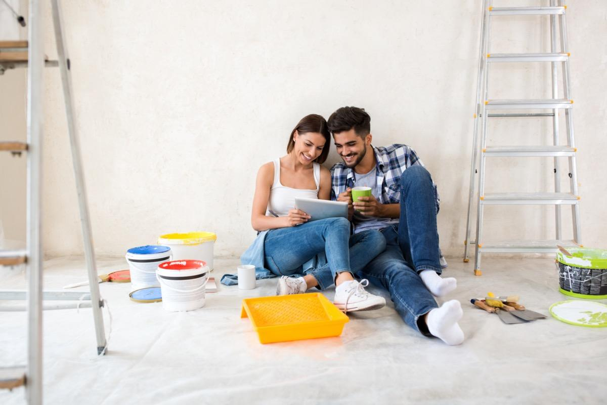 "With so much time stuck inside right now, it's tempting to start some projects you've been putting off <a href=""https://bestlifeonline.com/amazing-home-facts/?utm_source=yahoo-news&utm_medium=feed&utm_campaign=yahoo-feed"" target=""_blank"">around the house</a>. But before you make like a Property Brother, pick up a sledgehammer, and renovate, consider the costs. Many modifications that initially seem like a great idea may actually lose you money in the long run. Rather than sinking your hard-earned cash into an upgrade that will leave you in the red, read on for the worst home improvement projects that real estate professionals suggest avoiding. And if you're looking to freshen up your space, here are <a href=""https://bestlifeonline.com/quarantine-home-projects/?utm_source=yahoo-news&utm_medium=feed&utm_campaign=yahoo-feed"" target=""_blank"">15 Great Home Projects to Tackle While You're Quarantined</a>.      <div class=""number-head-mod number-head-mod-standalone"">         <h2 class=""header-mod"">         	            	<div class=""number"">1</div> 	            <div class=""title"">Putting in high-end kitchen appliances</div>                     </h2>     </div>"