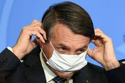 Presiden Brazil Bolsonaro mengancam akan menghajar wartawan