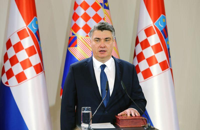 Croatia's new president Milanovic takes office, urges solidarity