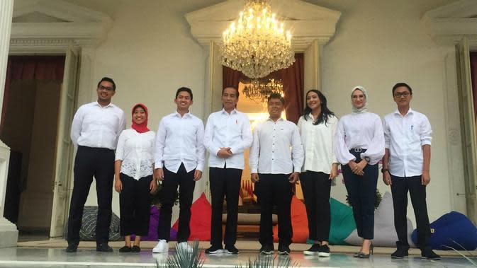 Presiden Jokowi mengumumkan 7 nama staf khusus presiden, Kamis (21/11/2019).(Liputan6.com/ Lizsa Egeham)