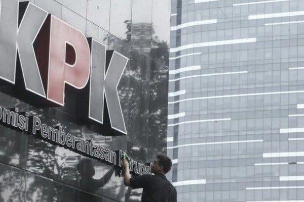 Siap-Siap, Nunggak Bayar Pajak Mobil Mewah akan Kena Segel KPK!