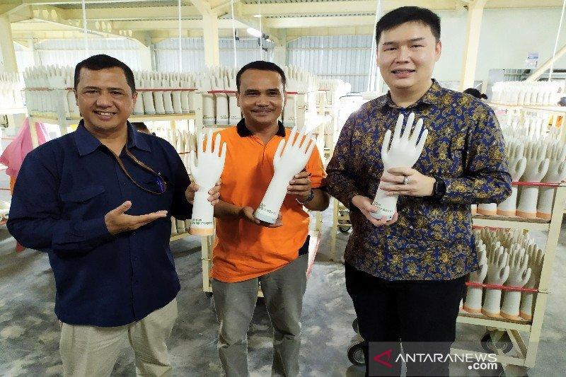 Laba produsen cetakan sarung tangan tetap tumbuh di tengah pandemi