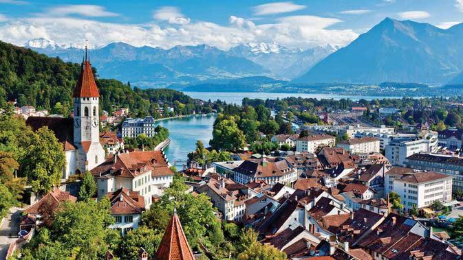 Interlaken, Swiss. (thomsonlakes.co.uk)
